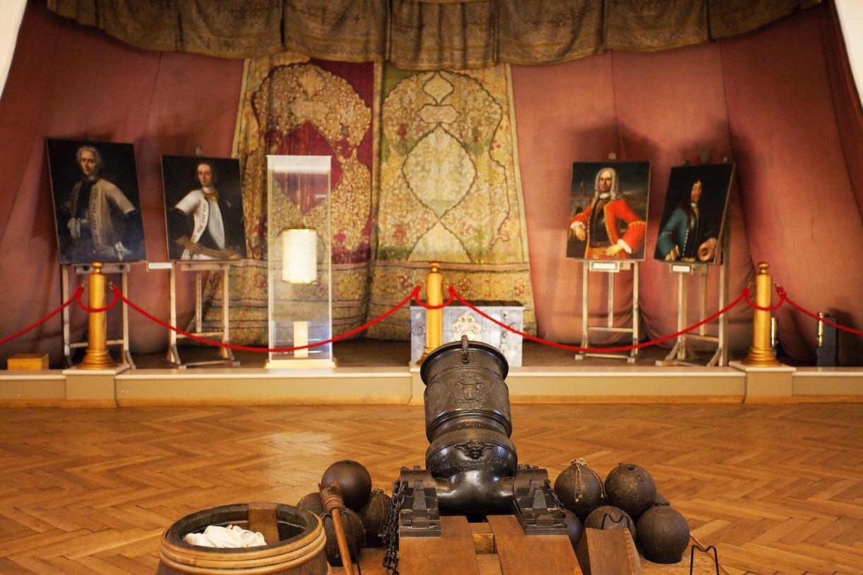 Vier Gemälde und das osmanische Audienzzelt von Prinz Eugen.