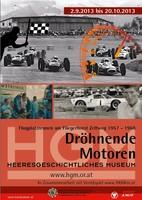 """Ausstellungsplakat """"Dröhnende Motoren"""" mit einer Fotocollage von Autorennen."""